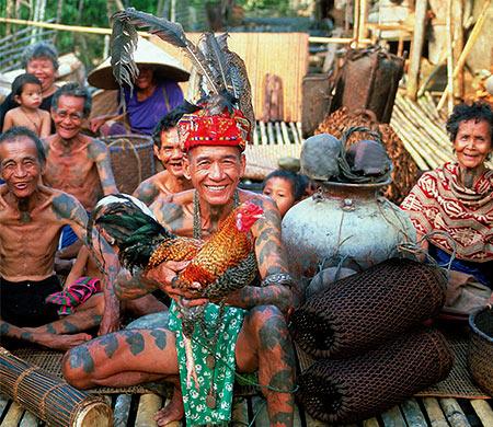 Borneo villagers © Tourism Malaysia