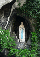 Grotto, Lourdes  Photo by Manuel Gonzalez Olaechea y Franco