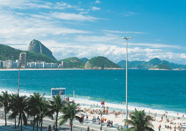 http://www.friendlyplanet.com/media/gallery/hotels/LuxorRegenteHotel-ViewofCopacabana.jpg