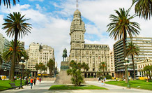 Plaza Independencia, Montevideo  Photo by Roxana Brongo